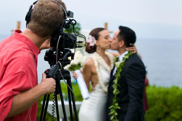 Видеосъемка на свадьбе: как правильно выбрать видеооператора